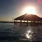 Couché de soleil sur la piscine