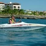Mini bateaux sur la côte dominicaine