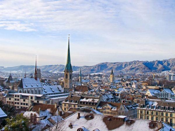 2 - Les toits enneigés de Zurich