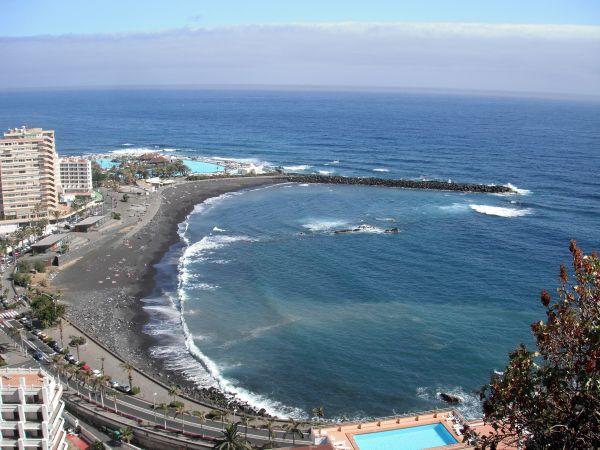 La plage noire de Puerto de la Cruz