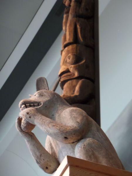Totems au musée des civilisations, Canada