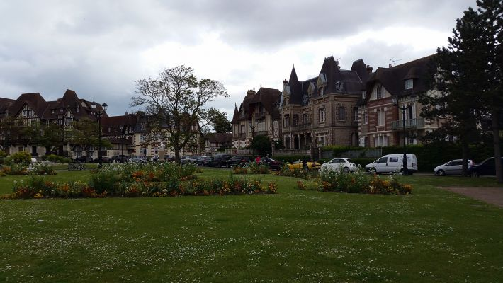 Cabourg - Grande Place