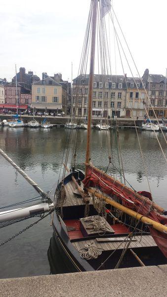 Honfleur - Vue sur le port depuis le restaurant Cap 42